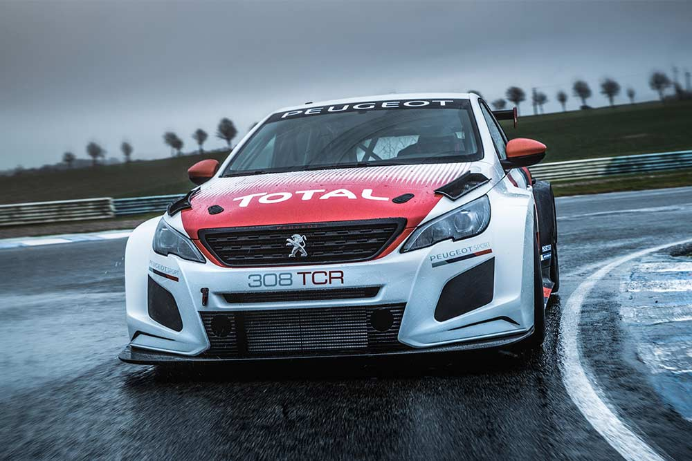 A fantastic racing moment for Mato Homola! WTCR and Peugeot!