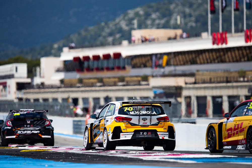 Maťo Homola ninth in the second race of TCR Europe in France